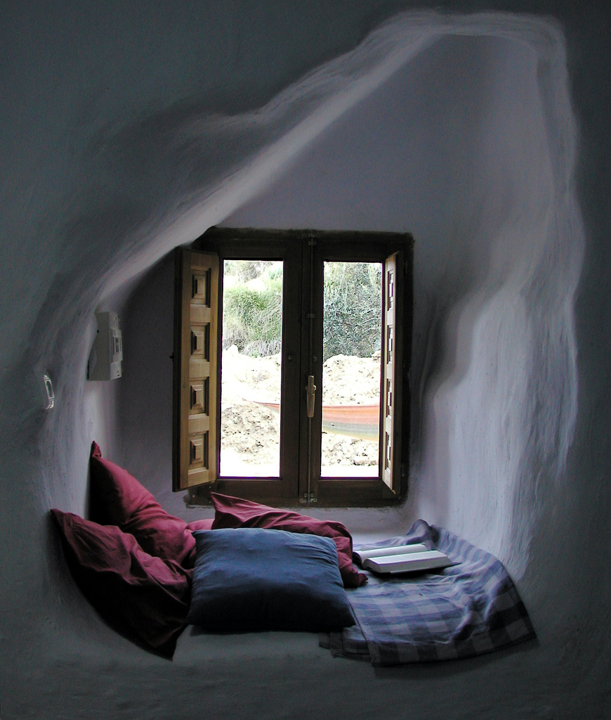 Reading nooks for Cozy reading nook
