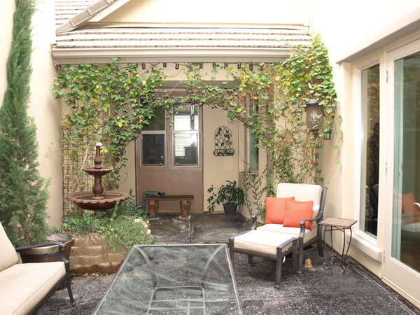 Interior courtyards for Small front courtyard design ideas