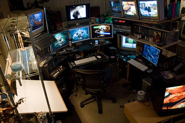 Computer gaming room  Ultimate Computer Setups - Cool Computer Room Design