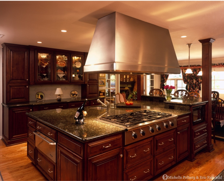 Tuscan style kitchens for Huge kitchen designs