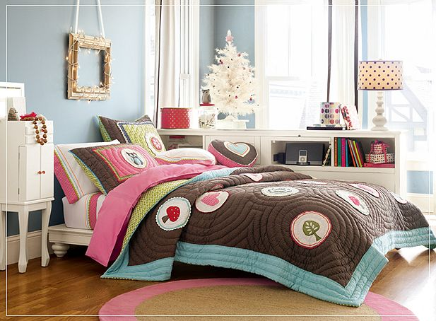 Teen room for girls for Girl small bedroom ideas