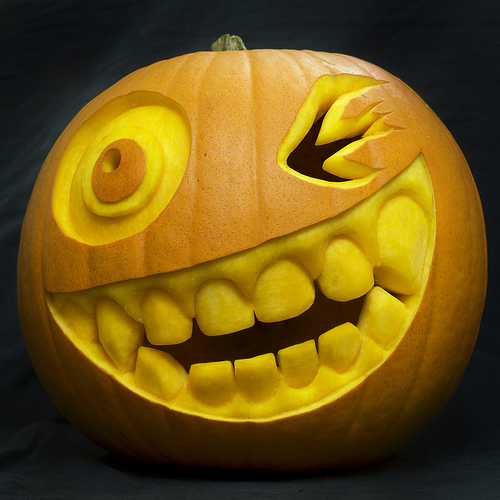 30 crazy cool halloween pumpkins Awesome pumpkin designs