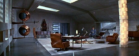 Interiors from bond movies for Decor hotel fil