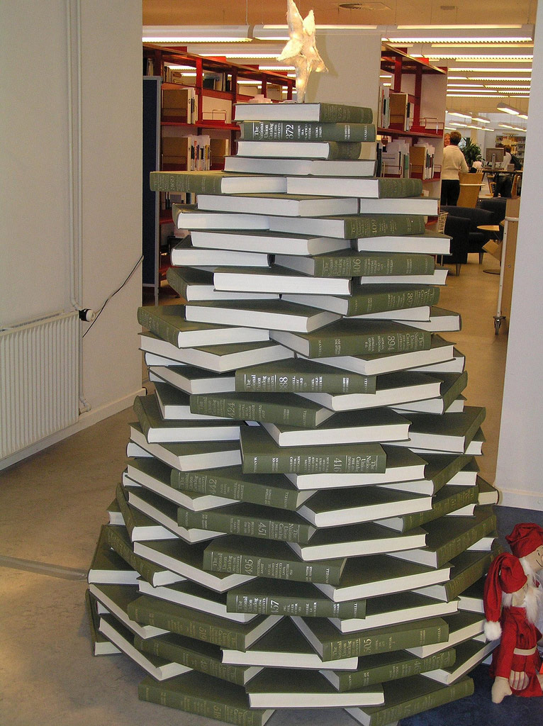 book christmas tree - Designer Christmas Tree