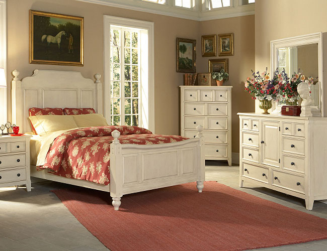 Country cottage style bedrooms for Cottage type furniture