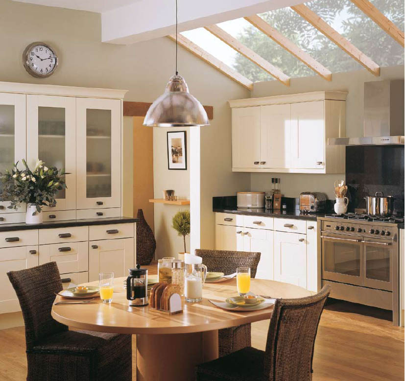 English country style kitchens for Country cottage kitchen design