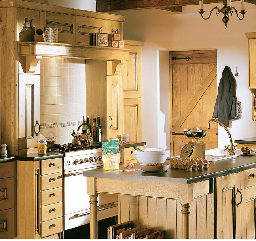 English country style kitchens for Small country kitchen ideas
