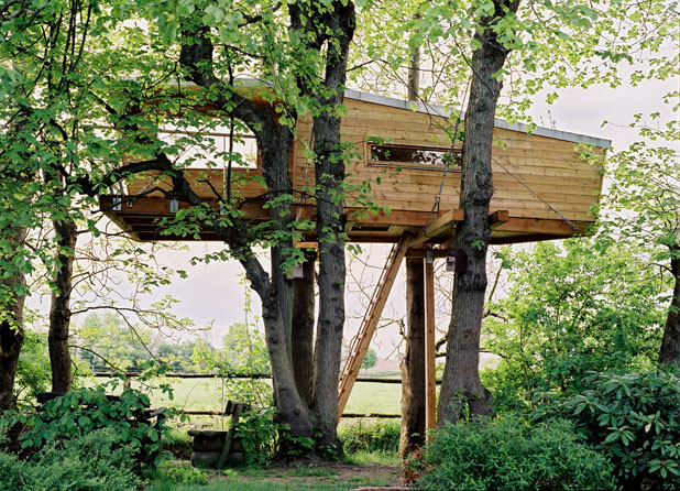 Images of Baumraum's treehouses follow: treehouse exterior