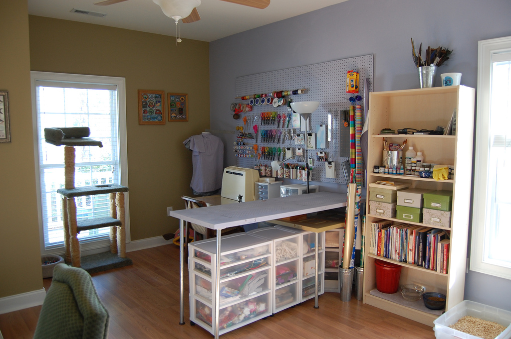 Craft room home studio ideas for Sewing room layout