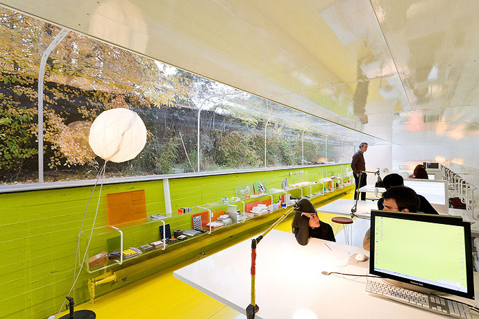 An office in the woods selgas cano architecture for Architecture office