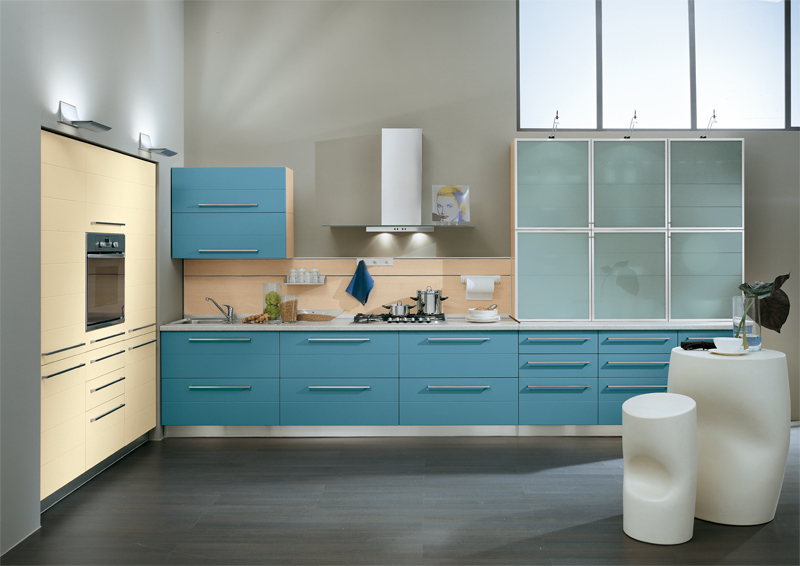 Blue kitchens for Blue kitchen cabinets pictures
