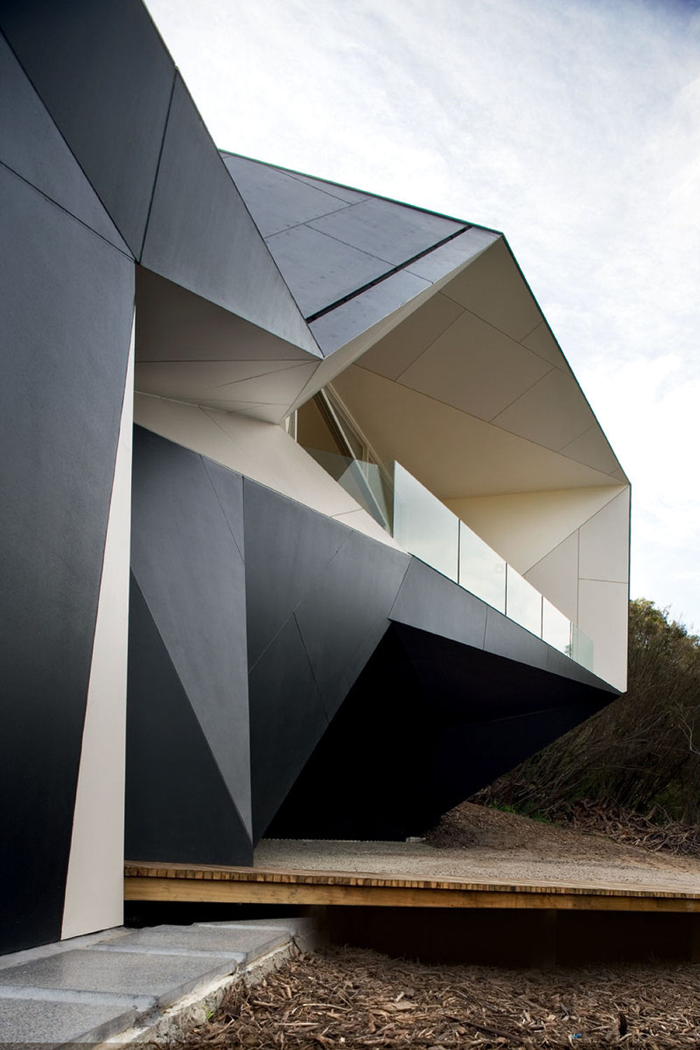 Klein bottle house australia for Architecture origami