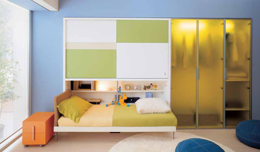 Ideas for teen rooms with small space for Bedroom cupboard designs small space
