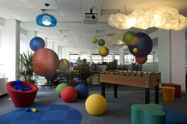 Design of google 39 s offices from around europe for Office playroom