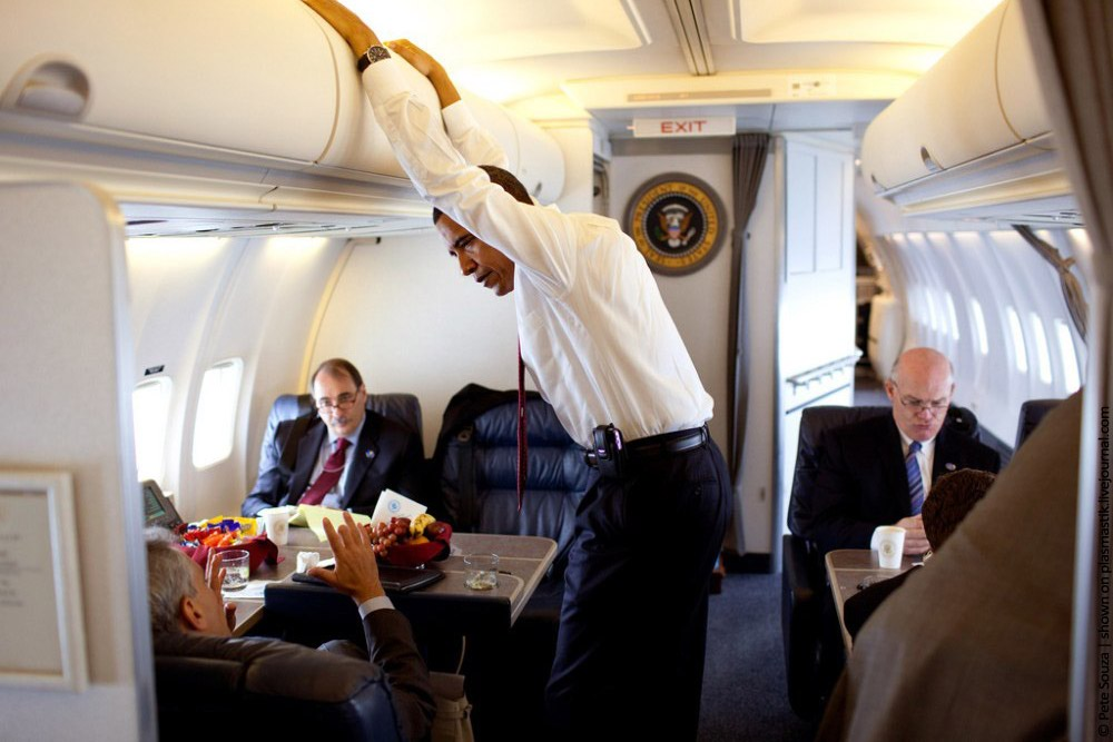 High Quality Obama In Air Force 1