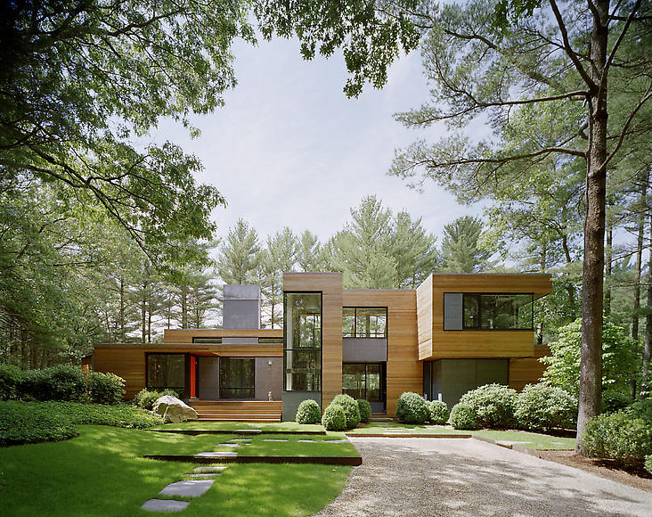 A home blended with nature Modern house architect new york