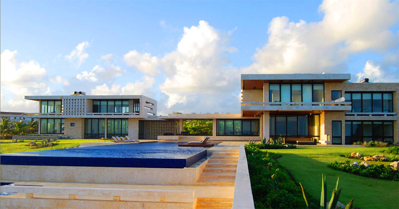 Spectacular Getaway Villa In The Caribbean