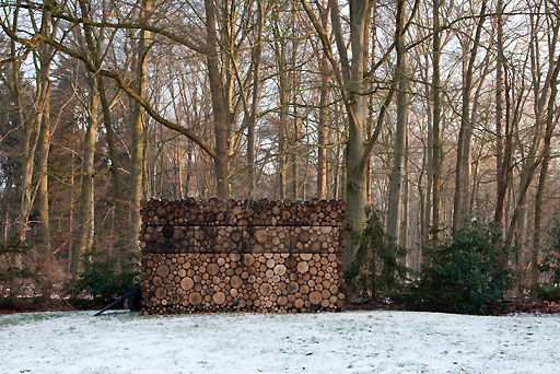 A Fancy Log House From Netherlands