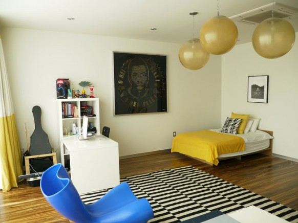 yellow and blue room