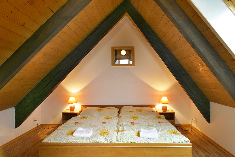 Cool attic spaces and ideas for Bedroom designs small spaces philippines