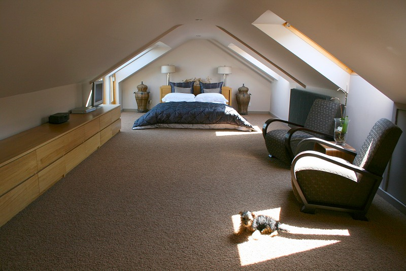 Cool attic spaces and ideas for Small attic bedroom designs