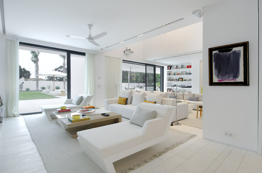 Awesome 4 Heavenly White Interiors