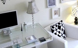 black-white-workdesk