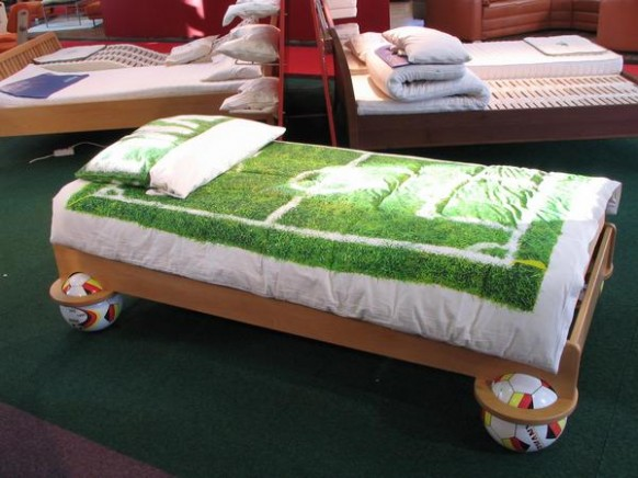 football-bed