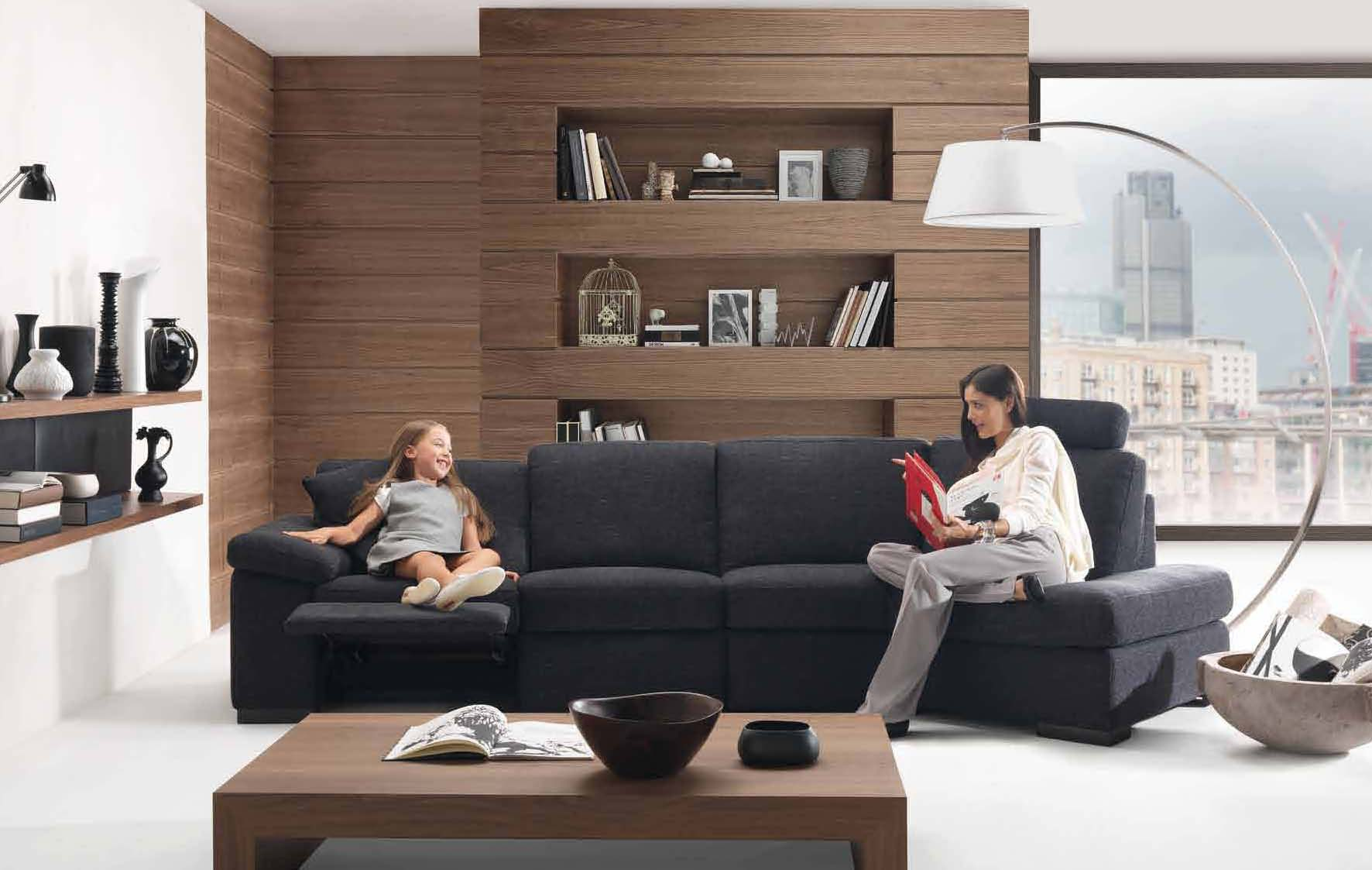Living room styles 2010 by natuzzi for Family in the living room