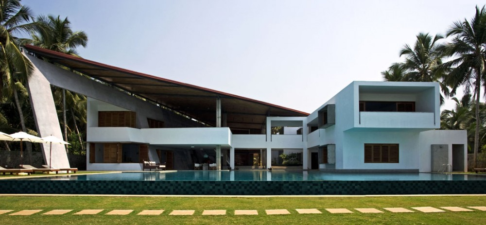 House with mesmerising ocean views kerala for Piani casa moderna india
