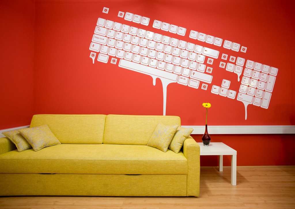 Colorful offices of creative studio 3fs for Create wall mural