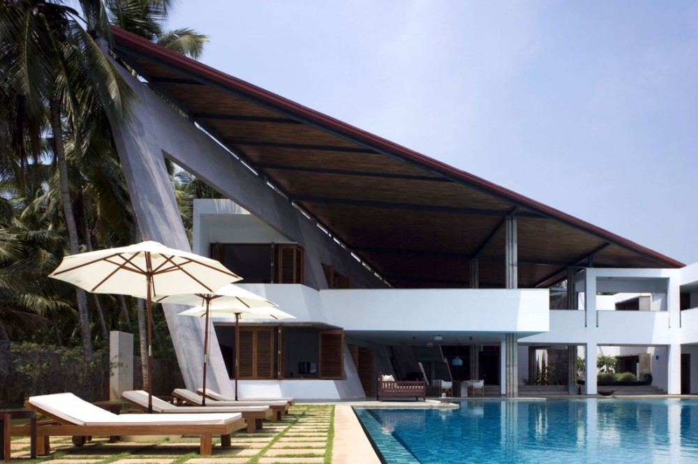 House with mesmerising ocean views kerala Designer houses in india