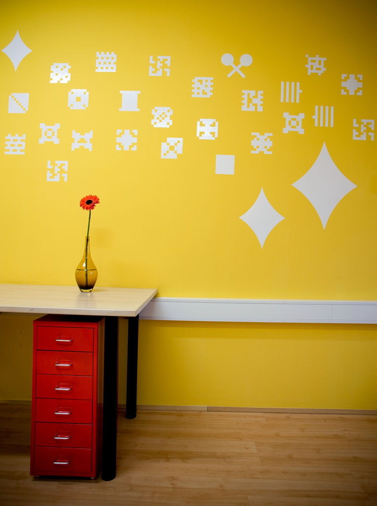 Colorful offices of creative studio 3fs for Home decor yellow walls
