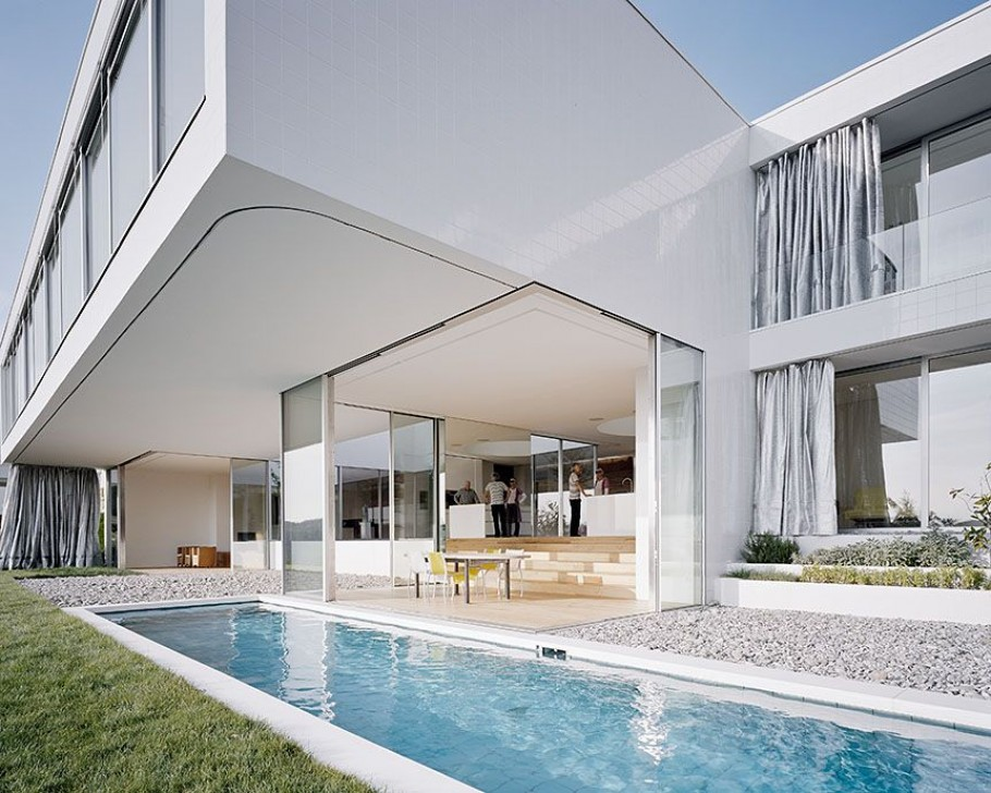 Paradise in germany a modern minimalist dream house for Luxury minimalist house