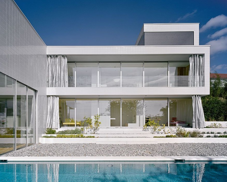 Paradise in germany a modern minimalist dream house Modern house columns