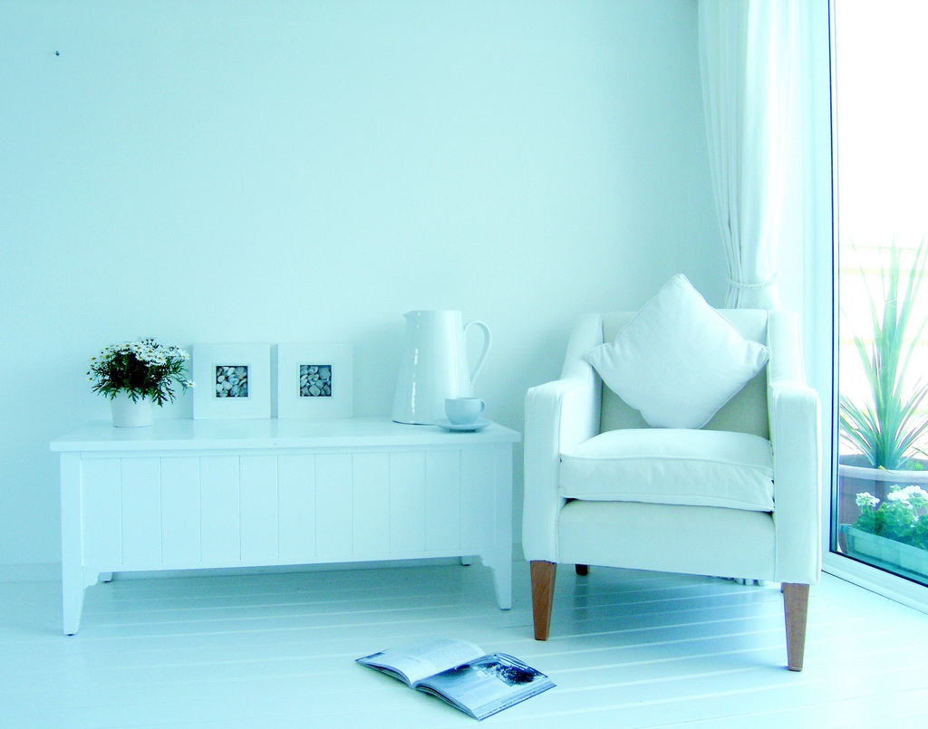 white room modern space