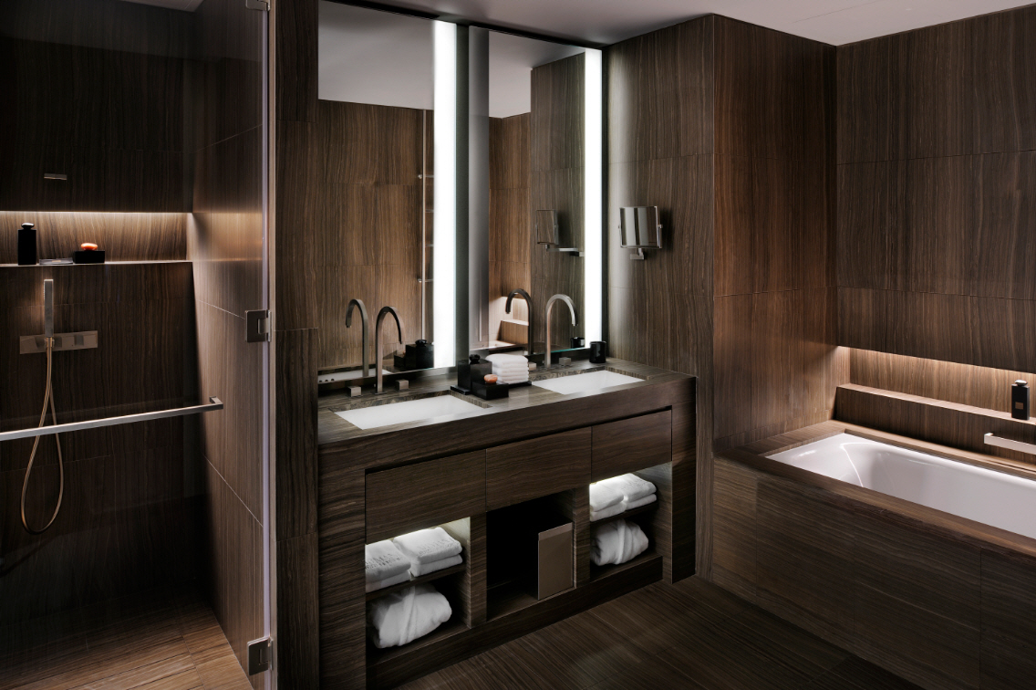 Interiors of armani hotel dubai burj khalifa for Bathroom interior design dubai