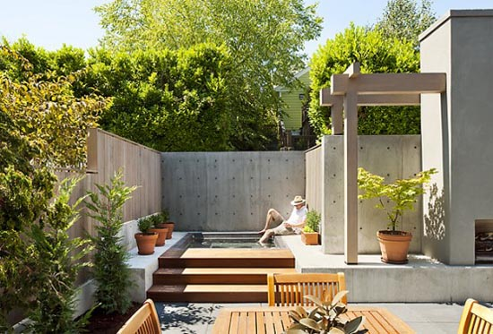 Small house with courtyard pool joy studio design for Small garden courtyard designs
