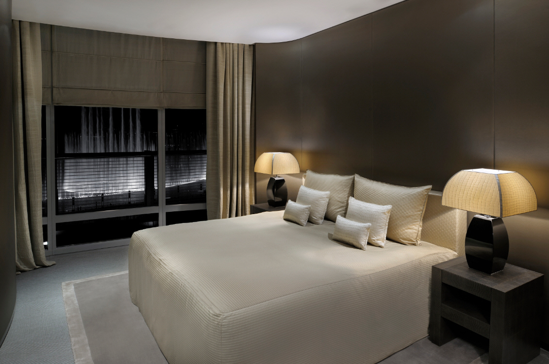 Interiors of armani hotel dubai burj khalifa for Hotel room interior images