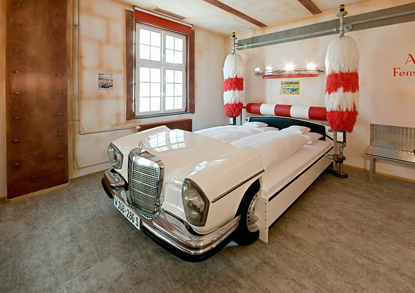Amazing Car Themed Rooms Of V Hotel Germany - Car themed bedrooms