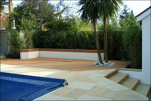Beautiful roof gardens and landscape designs for Family garden pool