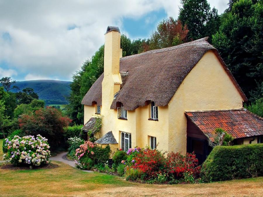 Fairy tale cottages for Pretty small houses