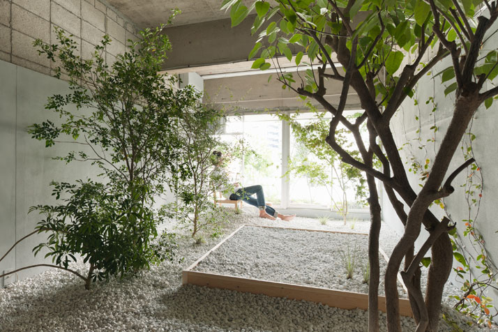 Love themed hotel in tokyo for Garden home interiors