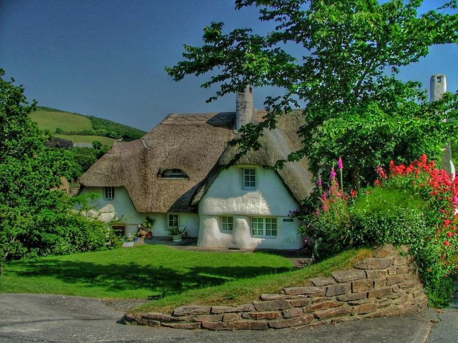 Fairy tale cottages for Classic english house