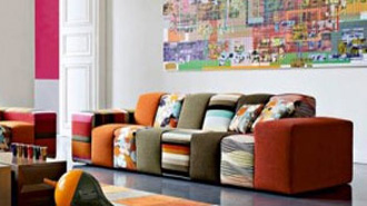Luxury living rooms ideas inspiration from roche bobois for Multi color living room ideas