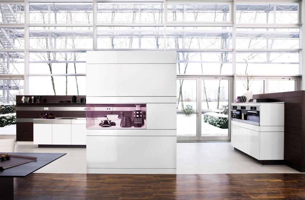 Kitchens from german maker poggenpohl for German kitchen cabinets