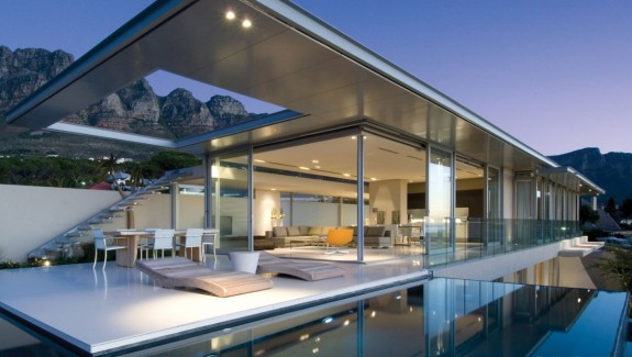 House with stunning views in Cape Town, South Africa