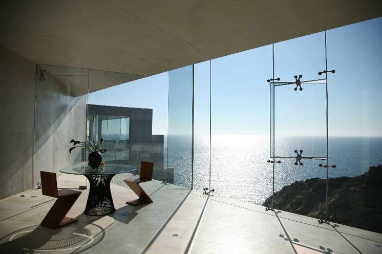 stunning-view-table-mansion