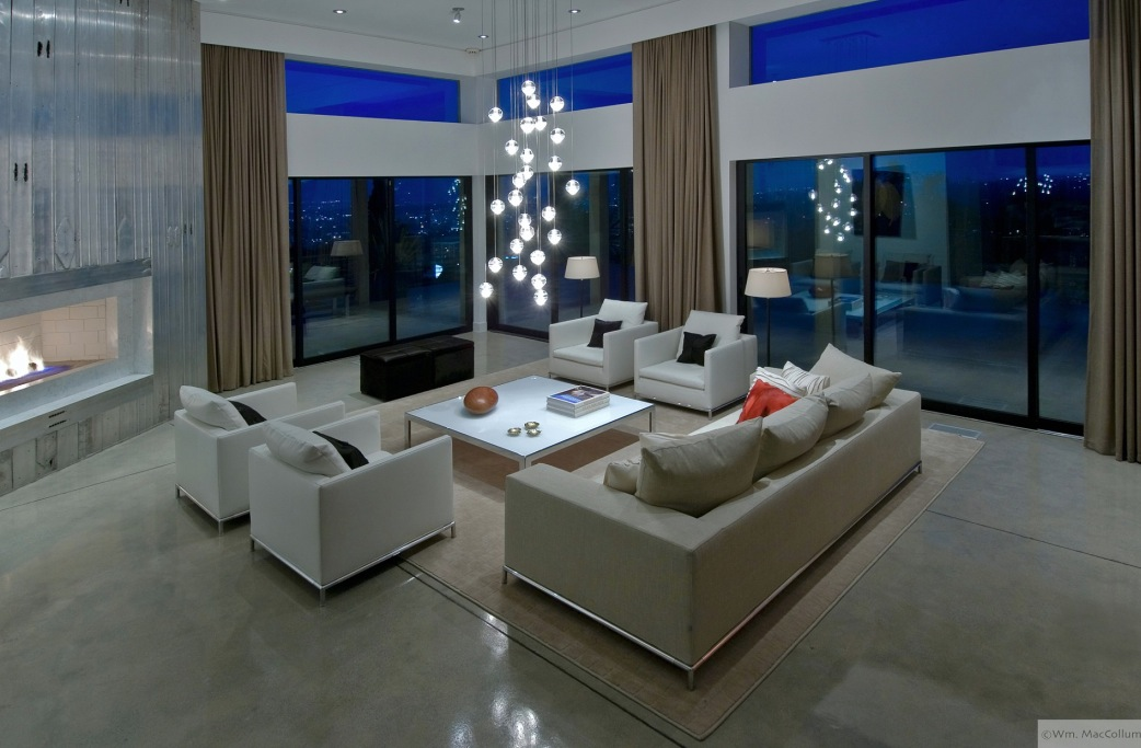 Beautiful living rooms photographed by william maccollum for Cool modern living rooms