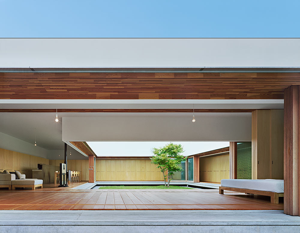 Home courtyard design interior design ideas for Japanese minimalist interior design